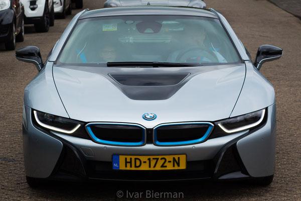 BMW I8 head-on