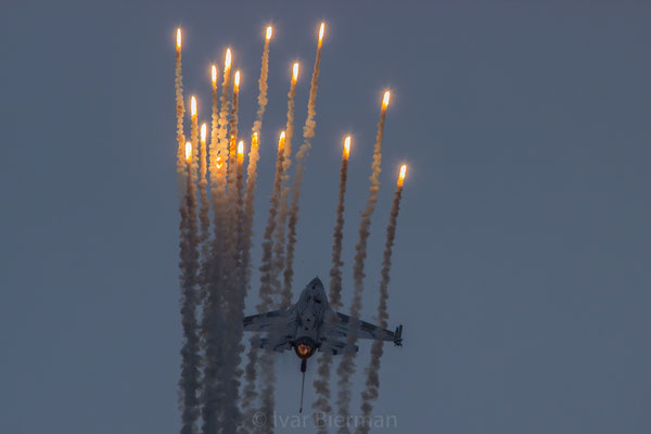 Belgian Air Force F16 Solo Display