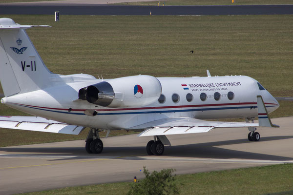 RNLAF Gulfstream 4, V-11