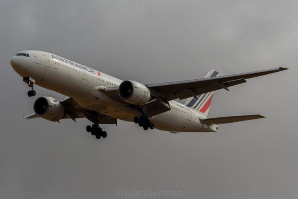 Air France Boeing 777-200 F-GSPK