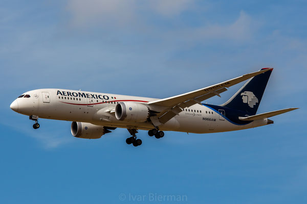 Aeromexico Boeing 787-8 N966AM