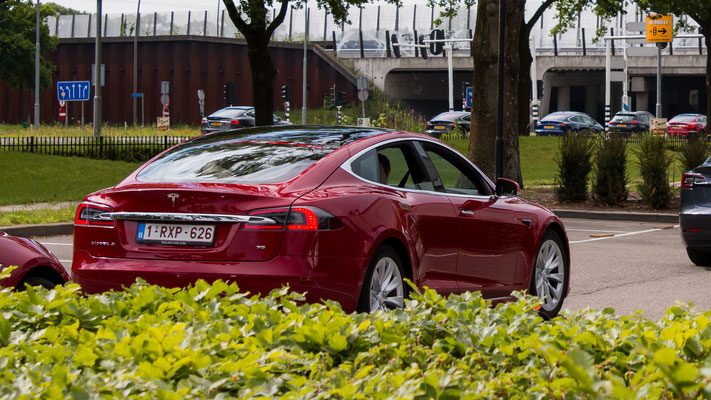 Tesla Model S, E-Rally 2019, Just Diggit, Eindhoven, Van der Valk Hotel Eindhoven, Van der Valk