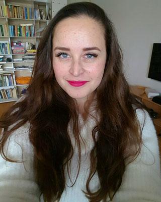 Me / brunette