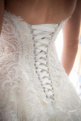 bustier de la robe de mariée