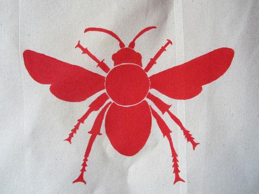 handgeschilderde bij / hand painted bee