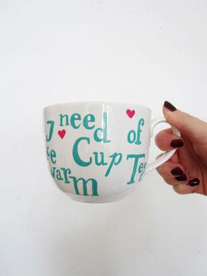 handgeschilderde mok met typografie / hand painted mug with typography