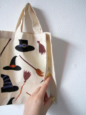 handgeschilderde tas voor halloween / hand painted tote bag for halloween