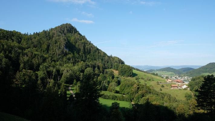 Riedbergchopf und Nunningen im Hintergrund
