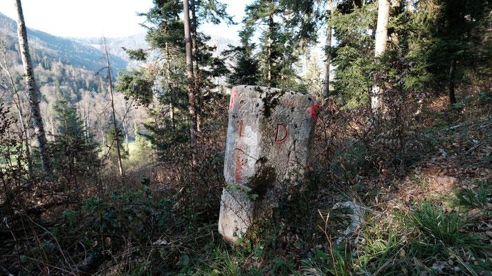 Grenzstein Reigoldswil/Titterten/Liedertswil