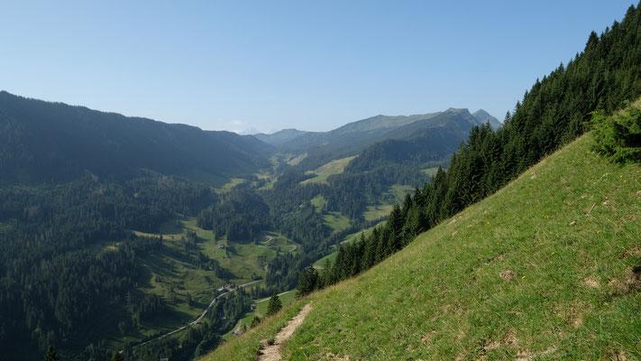 Blick Richtung Glaubenbergpass
