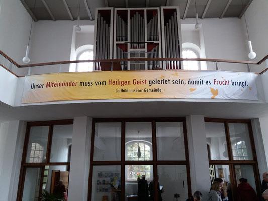 Leitbild unserer Gemeinde: Unser Miteinander muß vom Heiligen Geist geleitet sein, damit es Frucht bringt.