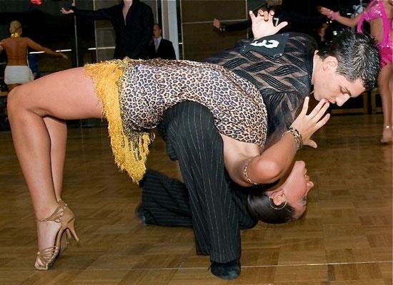 Tanzschule Bailando Cha Cha Cha