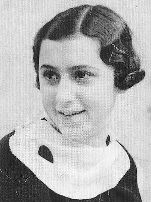 """Der türkisch-jüdischen Alegrina Behar wird von deutschen Behörden der türkische Pass entzogen. Als """"Staatenlose"""" ist sie schutzlos, wird von den Nazis ins Konzentrationslager deportiert und dort umgebracht. Foto (c) Privatbesitz Familie Behar"""