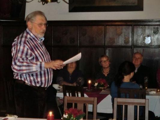 Reinhart Sitter las wieder heitere und besinnliche Texte von Mundartautoren.