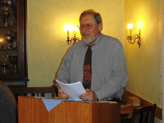 Reinhart Sitter hatte wieder passende Texte von Heimatautoren ausgewählt und souverän vorgetragen