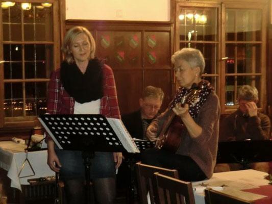 Gruppenmitglied Christine Fisch beeindruckte mit ihrer angenehmen Sopran-Stimme die Zuhörer.