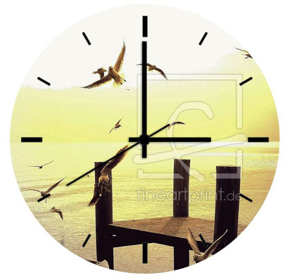 Acryl-Uhr mit freiwählbarem Motiv und Durchmesser, z.B. ¤ 30 cm, Preis CHF 99.-