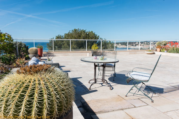 Photo immobilière d'une terrasse d'un appartement a Sanary