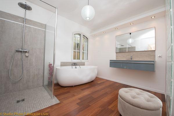 Photo immobilière d'une salle de bain d'une villa à Bandol près de Toulon (Var)