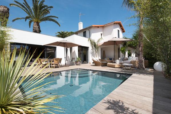 Photo immobilière vue piscine d'une villa a Saint Cyr sur mer