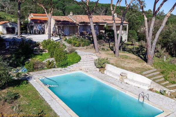 Photo immobilière par Vue aérienne d'une Villa à Saint Tropez ( Var )