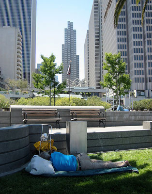 SF USA, sleeping man