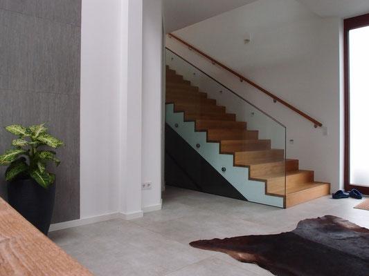 Eingangsbereich im Zweifamilienhaus