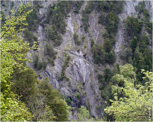 Gegenüberliegender Weg Bietschtal 10.05.2014
