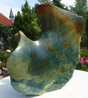 """Aquarell in Stein"", Rückansicht, Serpentin"