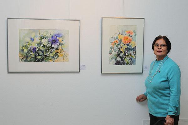 Heidi Eppinger mit ihren Werken