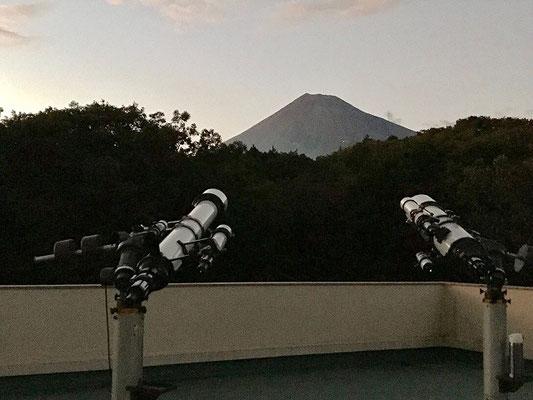 富士山と望遠鏡