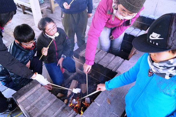 焼きマシュマロ作りの様子