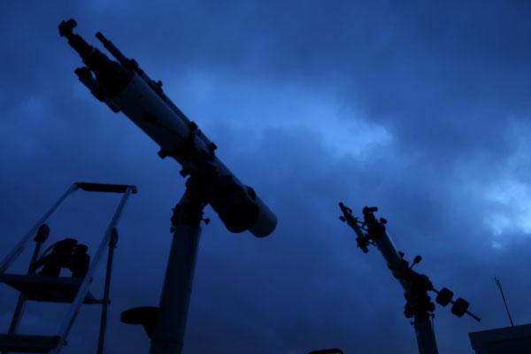曇天望遠鏡
