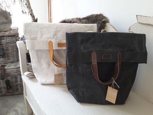 Pia backpack...grosser Rucksack mit Innenfach und  Schulterhenkel im Messangerstil          149,-€