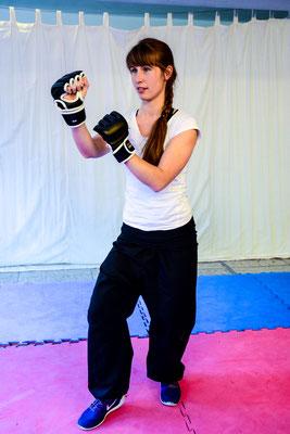 Schattenboxen mit Kung Fu Techniken