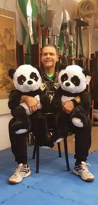 Meister Heek mit Pandas für Weihnachts Tombola