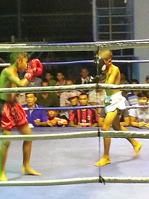 Kampfsport in Thailand: Kinder Thaibox Turnier