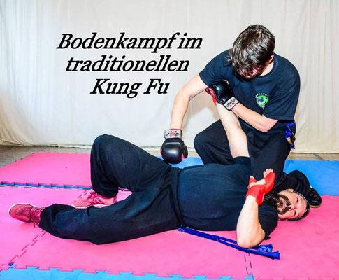 Bodenkampf ist Bestandteil des Kung Fu