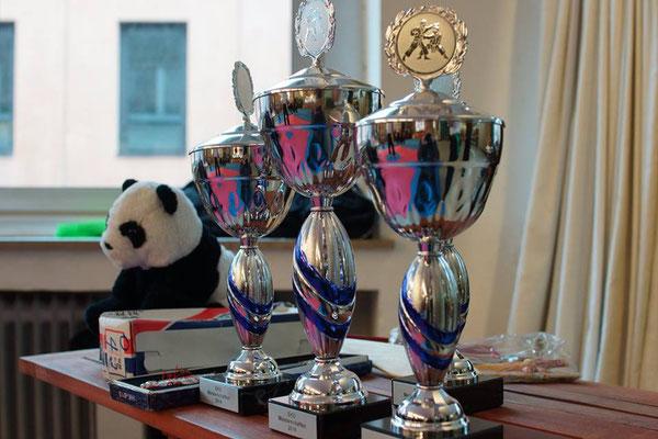 Kung Fu Köln Cup: Pokale, Preise für das Turnier in der Jing Wu Schule Köln