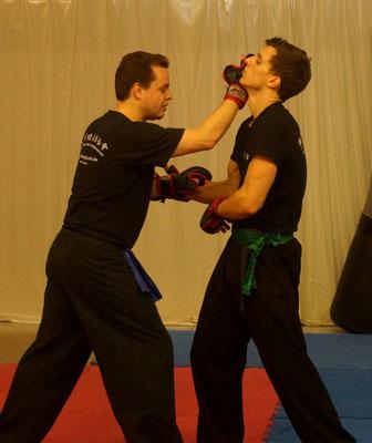 Kampftechnik des Kung Fu bei der Show