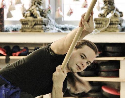 Training mit dem südlichen Langstock des Hung Gar Kung Fu