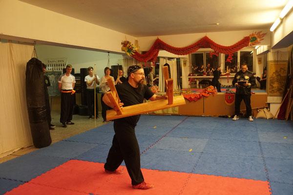 Kung Fu Waffe Sitzbank