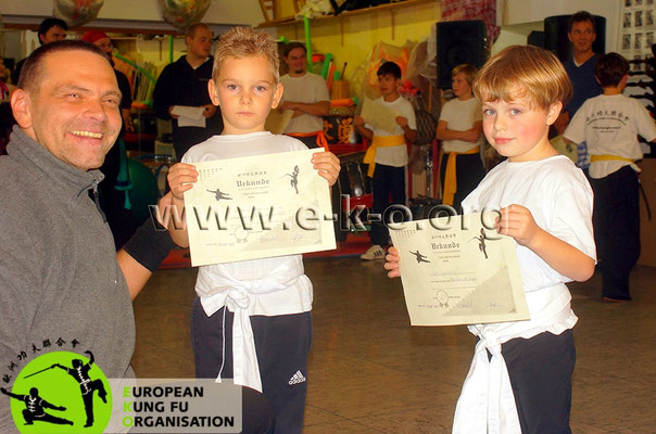 Kampfsport- Kampfkunst - Wettkämpfe: Wettkämpfe, Prüfungen sind in der Jing Wu Schule Köln ein positives Erlebnis.