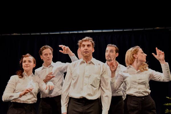 DER STEPPENWOLF: Markus Hennes, Ensemble