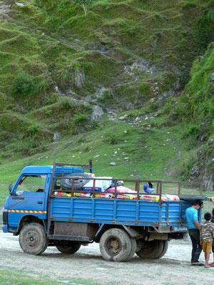 Unser Truck mit euren Gütern