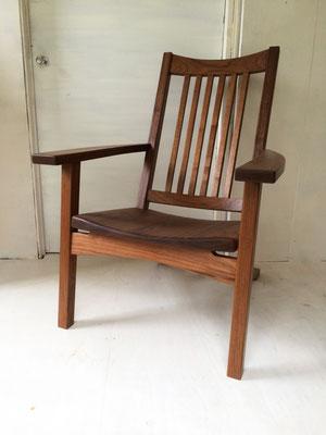 リラックスチェア「至福の時間」。何かをするためではなく、何もせず寛ぐ時間のための椅子。/八ヶ岳の家具工房ZEROSSOの創作家具