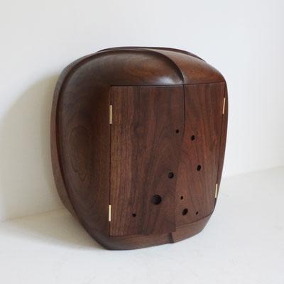 丸みのあるお仏壇「祈り」。八ヶ岳の家具工房ZEROSSOの創作家具、コンパクトなお仏壇、モダンなお仏壇、オリジナル茶道具、アート作品。