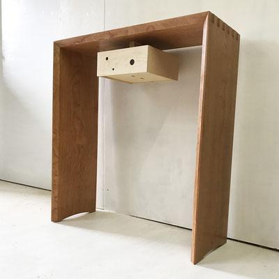 コンソール「メロディ4」。抽斗が一つ付くシンプルなデザイン。/八ヶ岳の家具工房ZEROSSOの創作家具