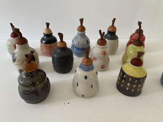 新作の振出。FUTAMONO-YA、陶芸家森下真吾と家具工房ZEROSSOの木工作家清水泰とのコラボレーションブランド。