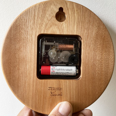 まんまるクロック/マカバ。家具工房ZEROSSOの注文家具、オーダーメイド家具、キャビネット、コンパクト仏壇、茶道具、異素材とのコラボレーション作品。